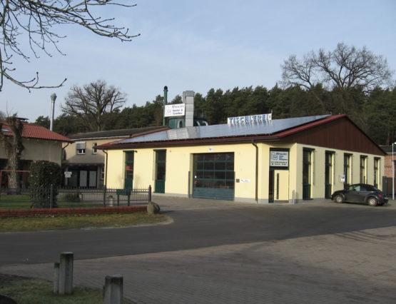 Halle-1